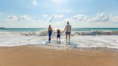 famiglia al mare