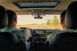 Vacanze in auto, gli italiani non partono senza la guida del navigatore