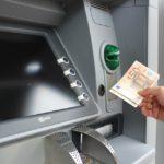 Banche, Altroconsumo: costi in aumento per i conti correnti