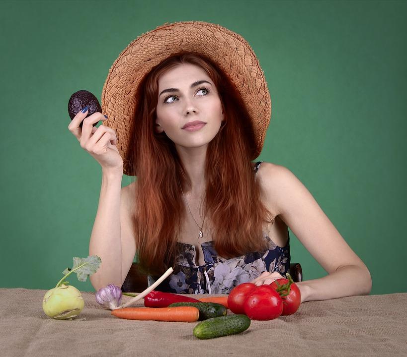 donna con verdure