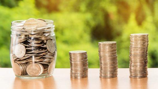 Conti correnti: costi di gestione in calo, su il risparmio per depositi online e tradizionali