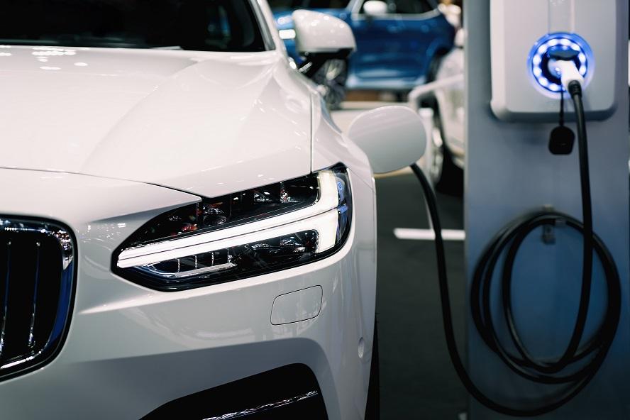 Auto elettriche, i mercato stenta a decollare