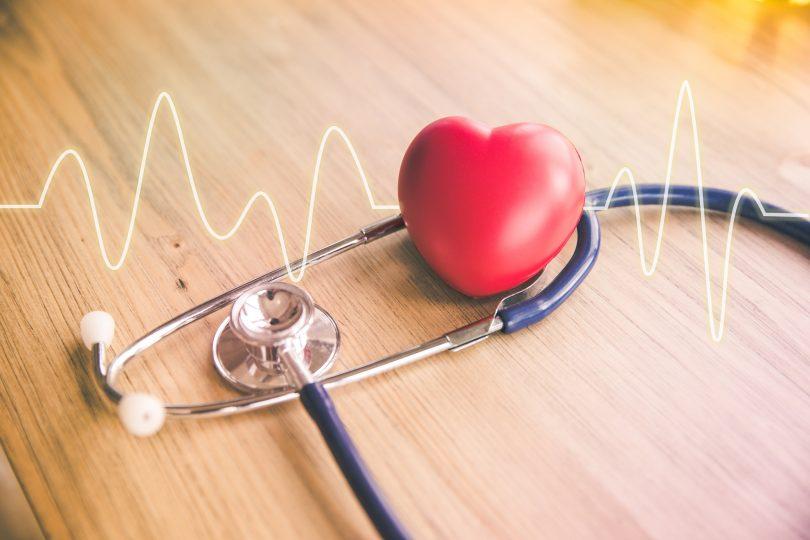 Colesterolo, alimentazione e stili di vita per sconfiggere il nemico del cuore