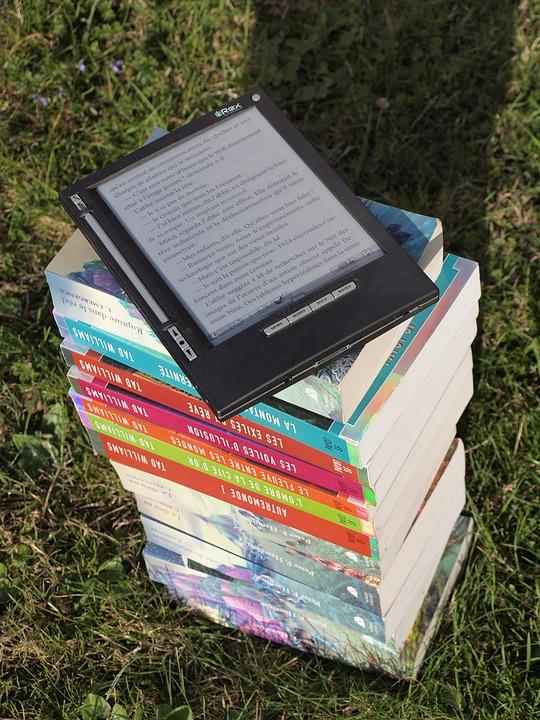 Editoria, AIE: nel 2020 romanzi e saggistica crescono del 2,4%