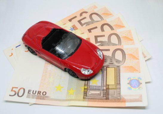 Effetto lockdown sulle assicurazioni auto online: prezzi giù