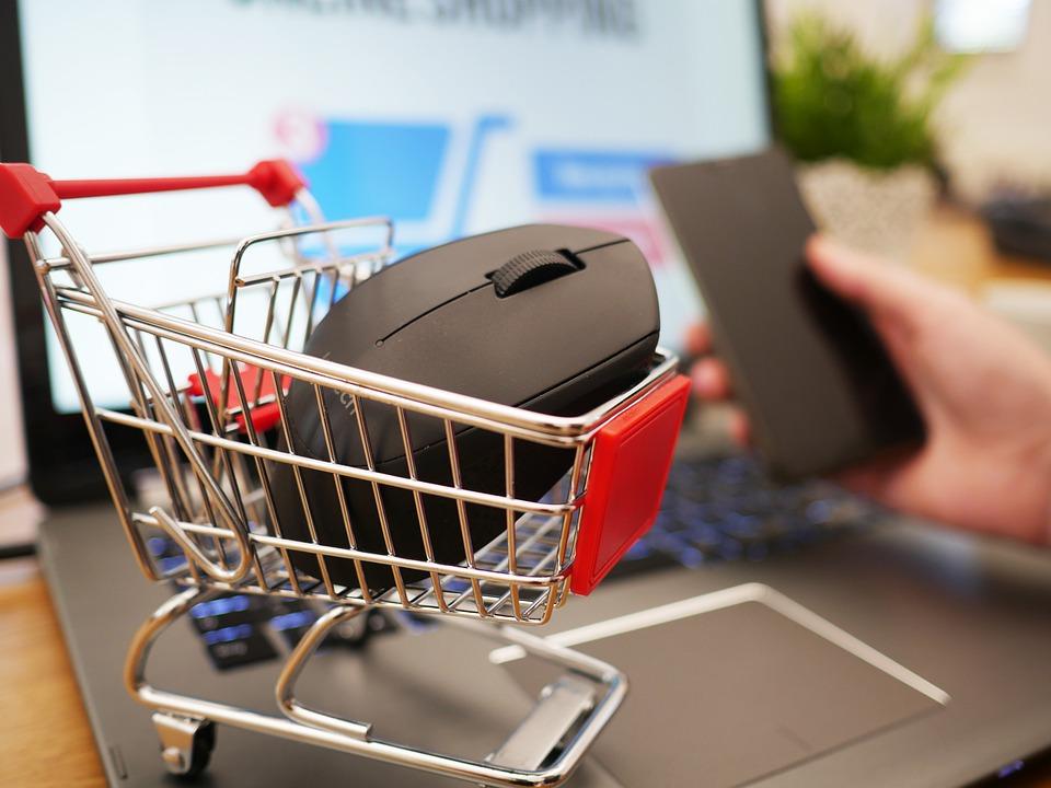 Shopping online, la ricerca di Astound Insights sulle abitudini di acquisto dei consumatori