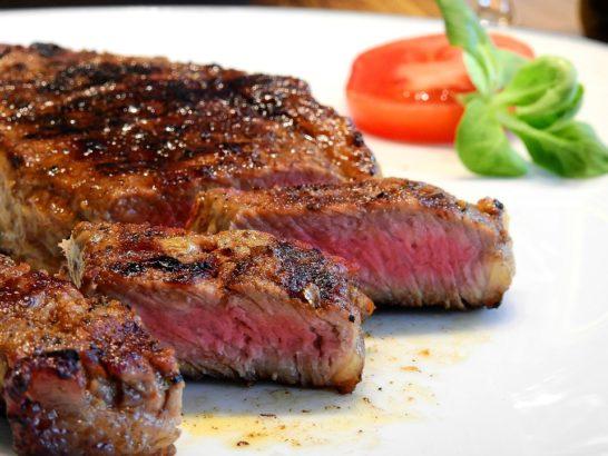 Marketing meat, la Ue promuove il consumo di carne più che di frutta e verdura