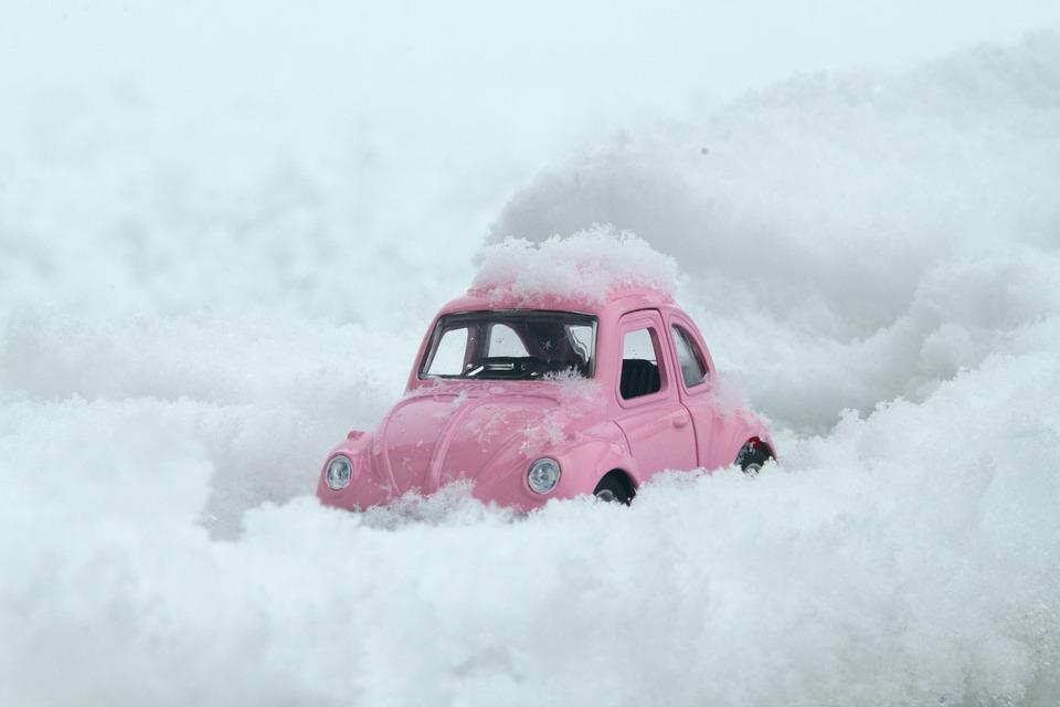auto nella neve