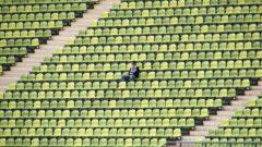 stadio spettatore solitario