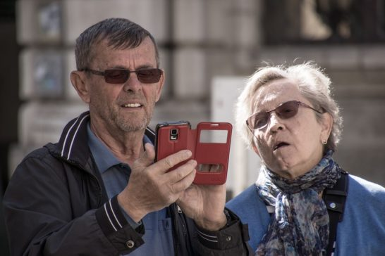 Anziani e home banking, MDC: troppi vittima di sms truffa sui conti online