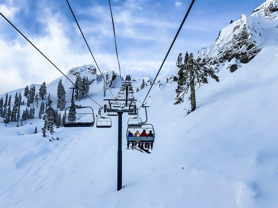 Attività sciistiche, Assoutenti: azzerata la spesa per le vacanze invernali