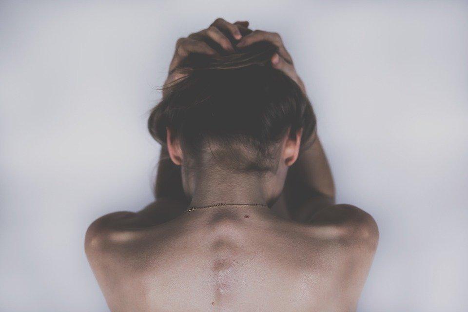 Violenza sulle donne, Istat: nel 2021 aumentano ancora le chiamate al 1522