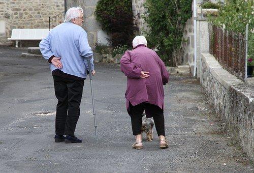 Anziani over 80, al via iniziativa solidarietà di Eni Foundation