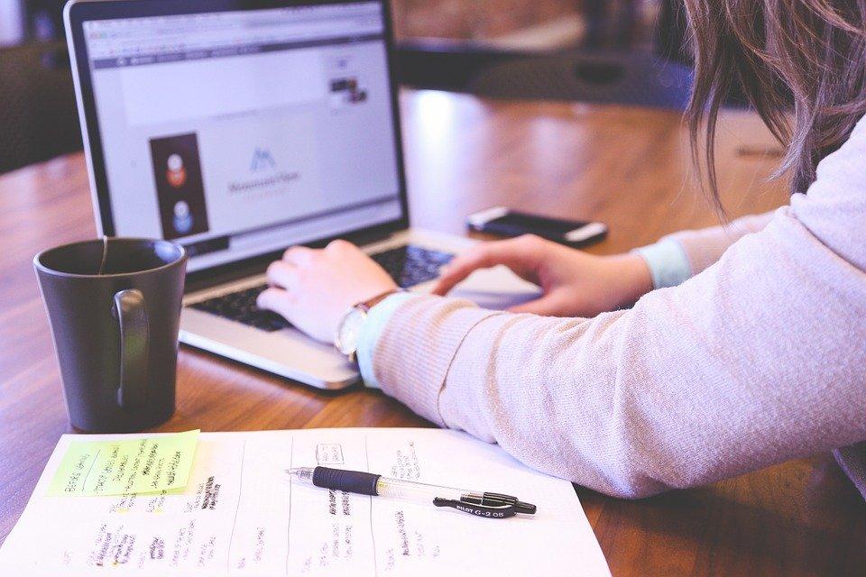 Attività online, i suggerimenti di Selectra