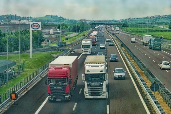 Parlamento UE: auto rispettino i limiti sulle emissioni in condizioni di guida reali