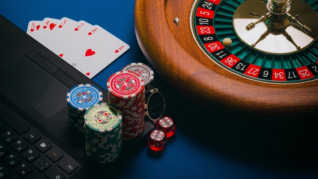 slot machines roulette e poker