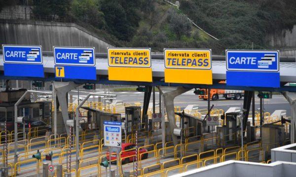 Autostrade, Altroconsumo chiede la sospensione del pagamento dei pedaggi