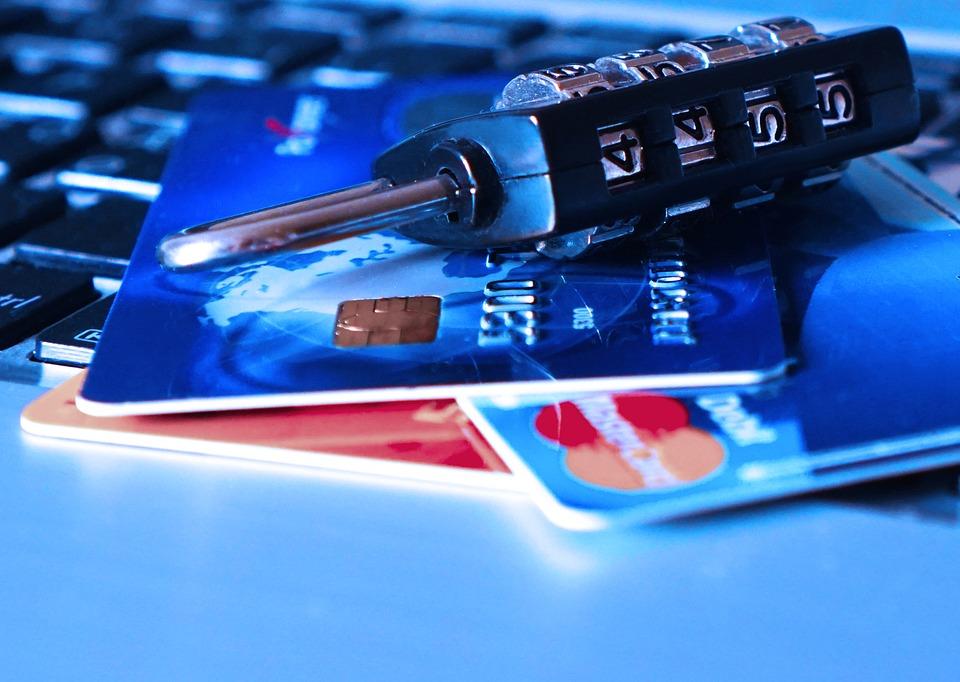 Banca non attiva il servizio Sms Alert, cliente rimborsato per il furto del bancomat