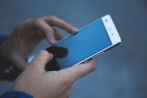 Migliaia di utenti vittime di truffe telefoniche su servizi a pagamento non richiesti