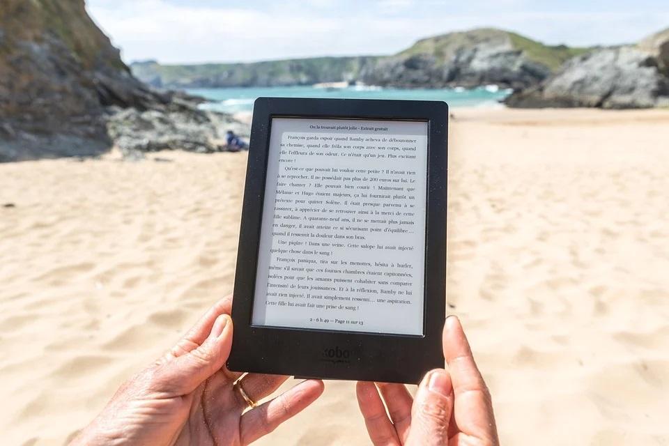 leggere sulla spiaggia