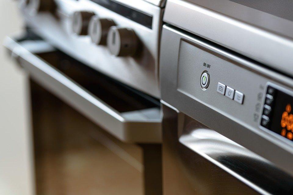 Risparmio energetico in cucina, i consigli di Selectra