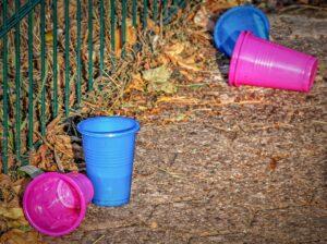 Plastiche biodegradabili e compostabili per i contenitori per alimenti