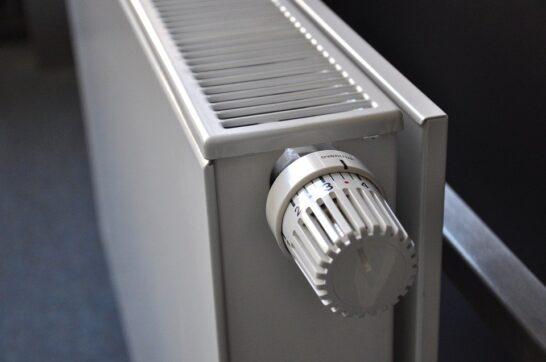 Riscaldamenti, come evitare gli sprechi? I consigli di ENEA