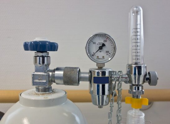 Ossigeno, AIFA: il medicinale non manca, restituire alle farmacie i recipienti svuotati