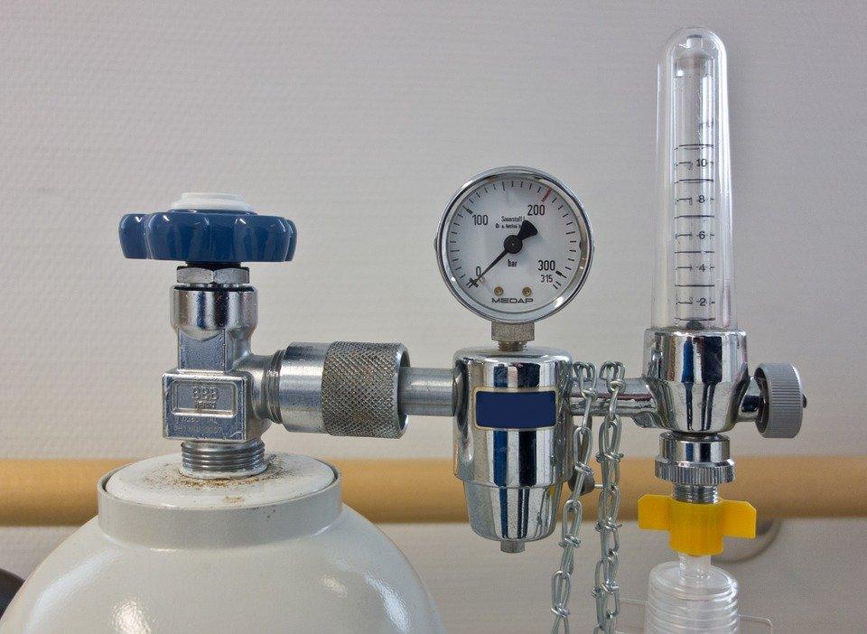 AIFA: ossigeno non manca, restituire alle farmacie i recipienti svuotati