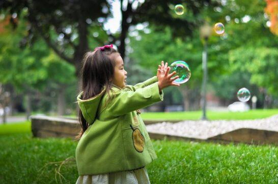 2020 addio, la lettera dei bambini al futuro è un invito alla speranza