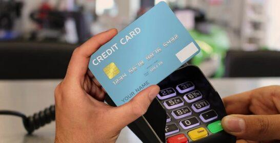 Il Covid cambia le abitudini di pagamento: meno contante, più pagamenti contactless