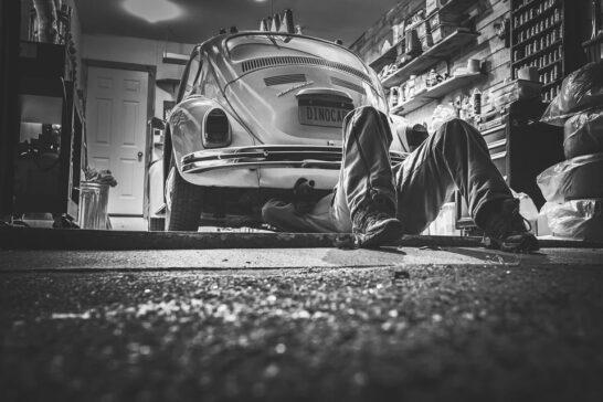 Automobile e risparmio, nel 2020 crolla la spesa per carburanti e manutenzione