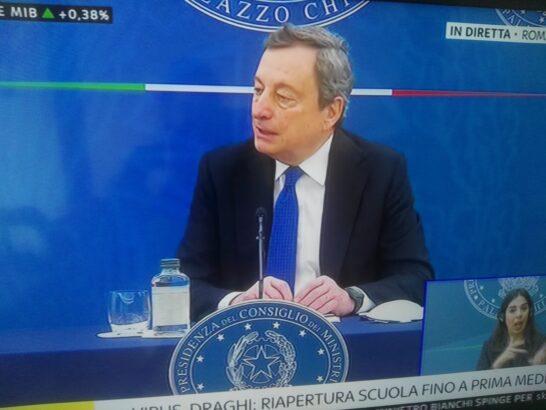 Draghi: la scuola riapre fino alla prima media