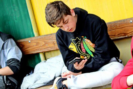 Bambini iperconnessi, Osservatorio adolescenza: il pericolo non è la tecnologia ma l'adescamento online