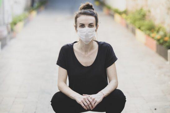 La pandemia sulle donne: impatto devastante