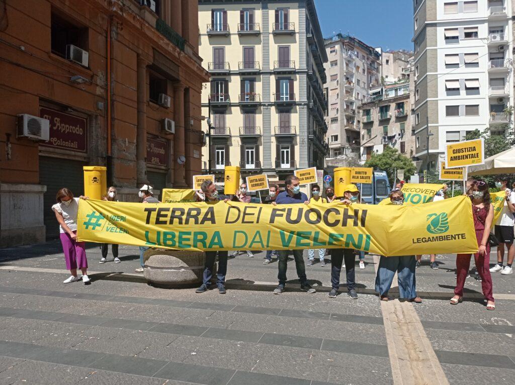 Al via #liberidaiveleni, la campagna di Legambiente parte dalla Terra dei Fuochi